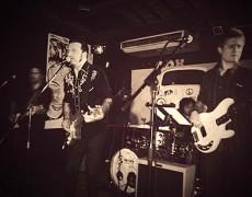 ..Chicos/as este viernes 29 de enero SULTANS QUARTET (Dire Straits Tribute)